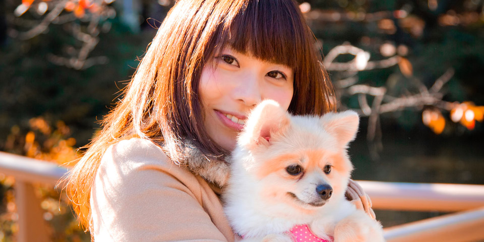 ペットと一緒に写っているプロフィール写真